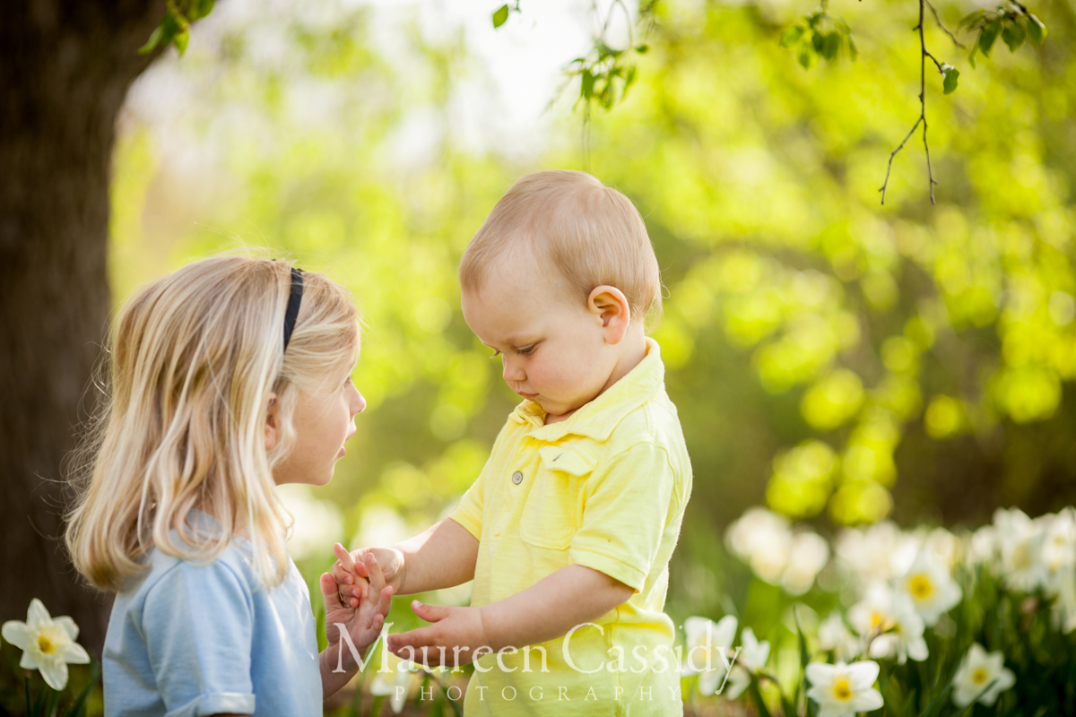 madison-family-photographer-outdoors natural-family-candid-brother and sister